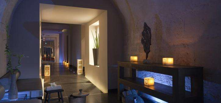 Try a signature massage with foot reflexology at Spa 28